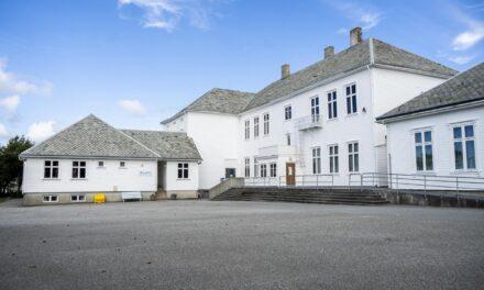 Frustrasjon på Åkra etter skolegrenseforslag – Karmøynytt