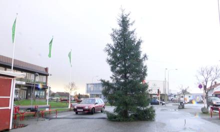 De tradisjonelle julemarkedene er avlyst, men her arrangeres det mini-julemarked – Karmøynytt