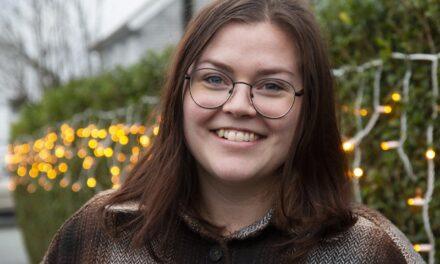 Da Susann (29) var liten, hadde hun med seg tegneboken over alt. Nå har hun gitt ut sin egen – Karmøynytt