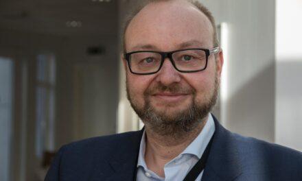 Reidar er årets leder i Eiendomsmegler Vest: –Hadde aldri tenkt at jeg var nominert – Karmøynytt