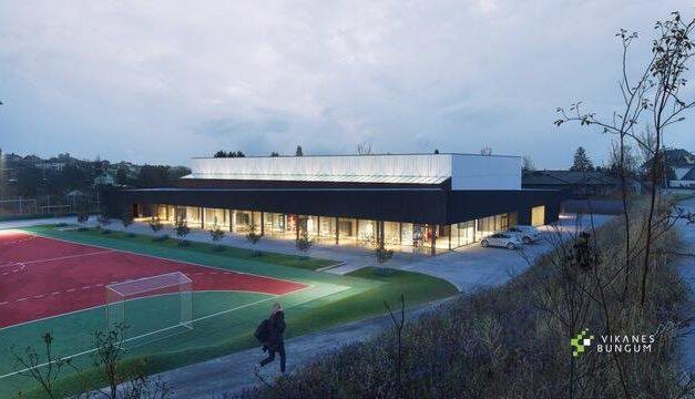 Lokalt firma skal bygge ny idrettshall på Vormedal – starter gravearbeidet i sommer – Karmøynytt