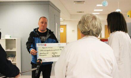 Chris syklet fra Oslo til Karmøy. Tirsdag fikk barneavdelingen pengene – Karmøynytt
