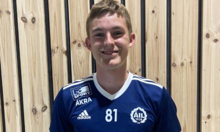 Åkra-spiller Magnus (15)  fikk gledesbeskjeden mange håper på: –Man blir jo stolt – Karmøynytt