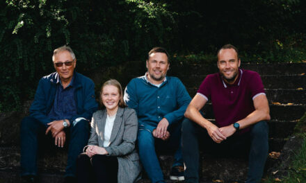 Familiebedriften OM Regnskap vil være med å spille kundene sine så gode som mulig – Karmøynytt